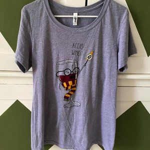 LIKE NEW! Gryffindor 'Accio Wine!' T-Shirt